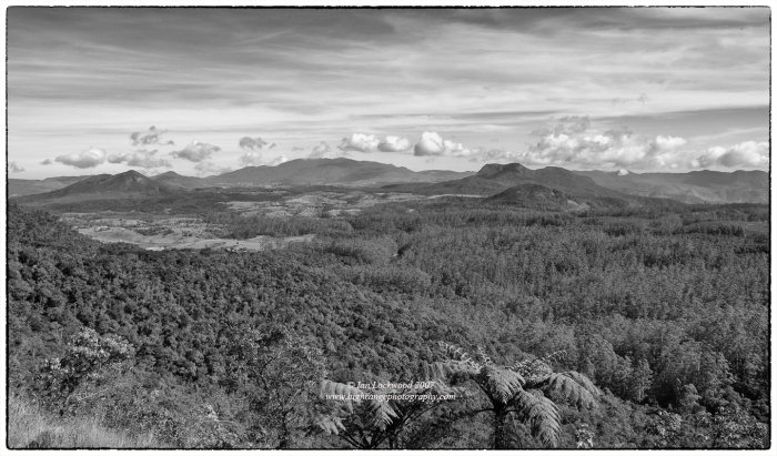 Pidurutalagala and Hakgala (right) as seen from the road up to Horton Plains National Park.