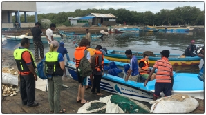 OTG members getting ready to explore the Vidataltivu mangrove forests.